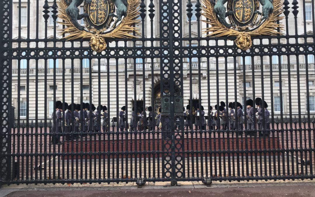 تبديل الحراس في قصر بكنغهام